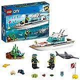 LEGO 60221 City Tauchyacht, Spielzeug mit 2 Taucher-Minifiguren, Meerestieren und...