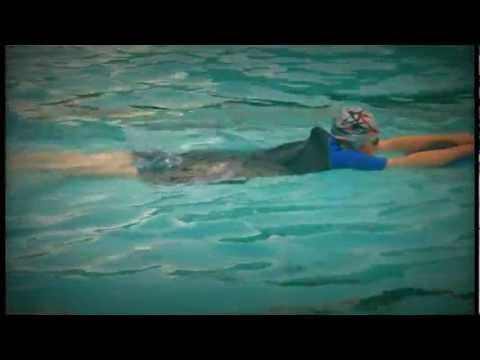 Diana Heine - Schwimmen mit Schwimmbrett - Frankfurt